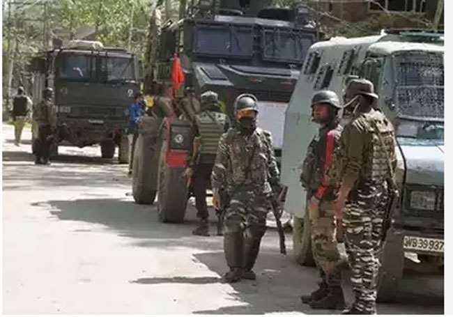 Image ofEncounter-in-Kashmir-3-terrorists-killed-2-jawans-injured-in-encounter-with-security-forces-in-Batmaloo-Srinagar