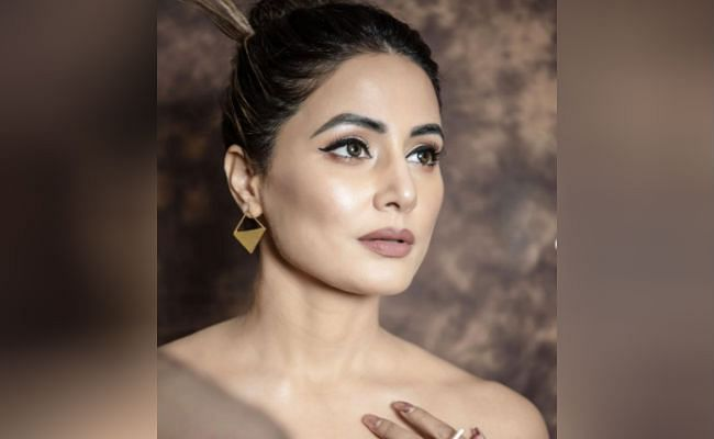 Image ofPHOTOS-When-Hina-Khan-showed-up-wearing-a-transparent-gown-the-fans-were-blown-away-by-the-bold-style-of-039Stormy-Senior039